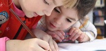Small2_kids-girl-pencil-drawing-159823