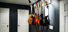 Small2_best_guitar_wall_mount